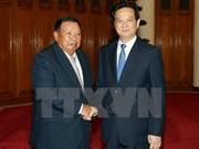 越南政府总理阮晋勇会见老挝国家副主席本扬•沃拉吉