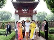 美国副总统夫人吉尔•拜登参观越南文庙国子监