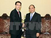 越南政府副总理阮春福会见新加坡贪污调查局局长