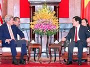 越南国家主席张晋创会见美国国务卿约翰·克里