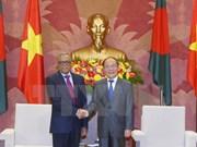 越南国会主席阮生雄会见孟加拉国总统哈米德