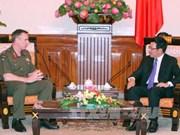 越南政府副总理范平明会见新西兰国防军司令蒂姆•基廷