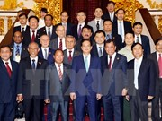 阮晋勇总理会见出席越南人民公安传统日70周年纪念活动各国际友人