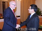 范平明副总理会见德国基民盟/基社盟的议会党团主席考德尔