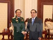老挝领导人高度评价越老两军的有效合作
