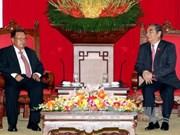 越共中央书记处常务书记黎鸿英会见老挝高级代表团