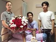泰国爆炸案中受伤的越南公民康复出院并回国