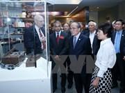 越南国会主席阮生雄探访美国国家档案馆
