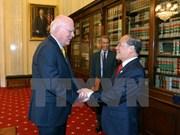 越南国会主席阮生雄会见美国参议院临时参议长帕特里克·莱希