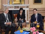 越南河内市与荷兰阿姆斯特丹市加强合作