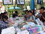 """题为""""书籍与遗产""""的2015年河内图书节即将举行"""