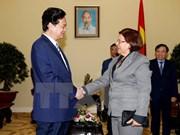 越南政府总理阮晋勇会见古巴财政与价格部部长利纳.佩德拉萨
