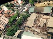 越南河内市古法式别墅坍塌致2人死亡5人受伤