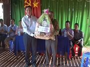 西南部地区事务指导委报孝节走访慰问高棉族优抚家庭