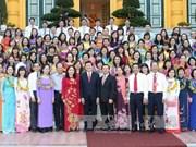 张晋创主席会见越南油气集团先进模范女干部员工