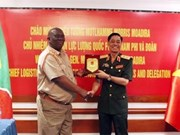 越南与南非两国军队分享后勤工作的经验