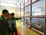 有关黄沙和长沙两个群岛归属越南的图片和资料展在山罗省举行