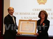 原法语国家国际组织亚太地区办事处主任荣获越南国家友谊勋章