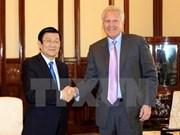 张晋创主席会见美国通用电气公司董事长杰夫·伊梅尔特