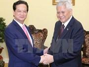 越南政府总理阮晋勇会见菲律宾外交部长