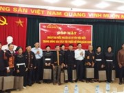 越南国会民族委员会会见广宁省威信模范者代表团