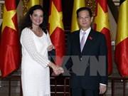 越南政府总理阮晋勇会见比利时参议院议长克里斯蒂娜·德佛莱涅