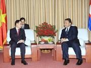 越南外交部代表团前往柬埔寨驻越大使馆庆祝国庆62周年