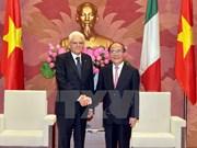 越南国会主席阮生雄会见意大利总统塞尔焦•马塔雷拉