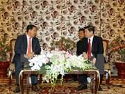 胡志明市领导人会见柬埔寨人民党中央外委会代表团