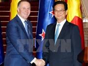 新西兰总理圆满结束对越访问