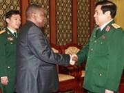 越南国防部长冯光清大将会见南非国防部国务秘书