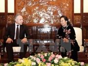 越南国家副主席阮氏缘会见白俄罗斯工联高级代表团