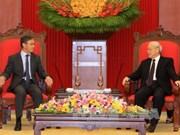 越共中央总书记阮富仲会见老挝新任驻越南大使