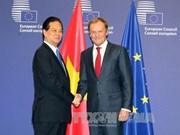 越南政府总理阮晋勇密集会见欧盟领导人