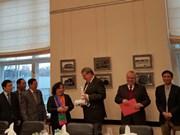河内市希望进一步促进与柏林市的友好关系