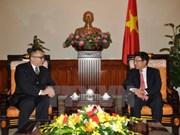 越南政府副总理范平明会见土耳其新任驻越大使