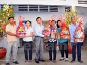越南驻柬埔寨大使馆走访慰问旅柬越桥 送上新春祝福