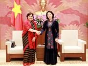 越南国会副主席阮氏金银会见印度驻越特命全权大使莎兰