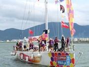 克利伯环球帆船赛各参赛队抵达岘港市