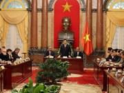 越南国家主席张晋创会见世界工联秘书长乔治•马瑞克斯