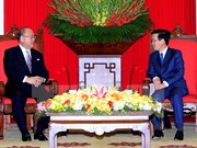 越共中央宣教部部长武文赏亲切会见日越友好议员联盟特别顾问武部勤