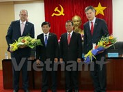 越南平阳省与荷兰法律事务所签署合作协议