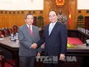 越南政府副总理阮春福会见老挝科技部部长波温坎