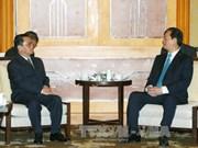 越南政府总理阮晋勇会见老挝政府总理通辛·坦马冯