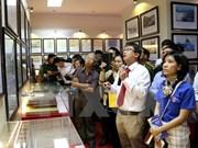 """""""黄沙和长沙归属越南—历史证据和法律依据""""图片资料展在嘉莱省举行"""