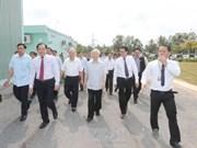 越共中央总书记阮富仲视察槟椥省