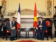 胡志明市加强与法国各地方的合作关系