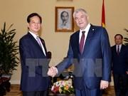 越南政府总理阮晋勇会见俄罗斯内务部部长