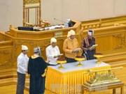 缅甸新总统吴廷觉正式宣誓就职