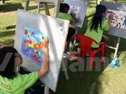 越南儿童共同携手保护环境